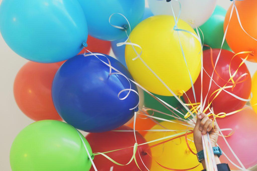 bewegen en leren met ballonnen